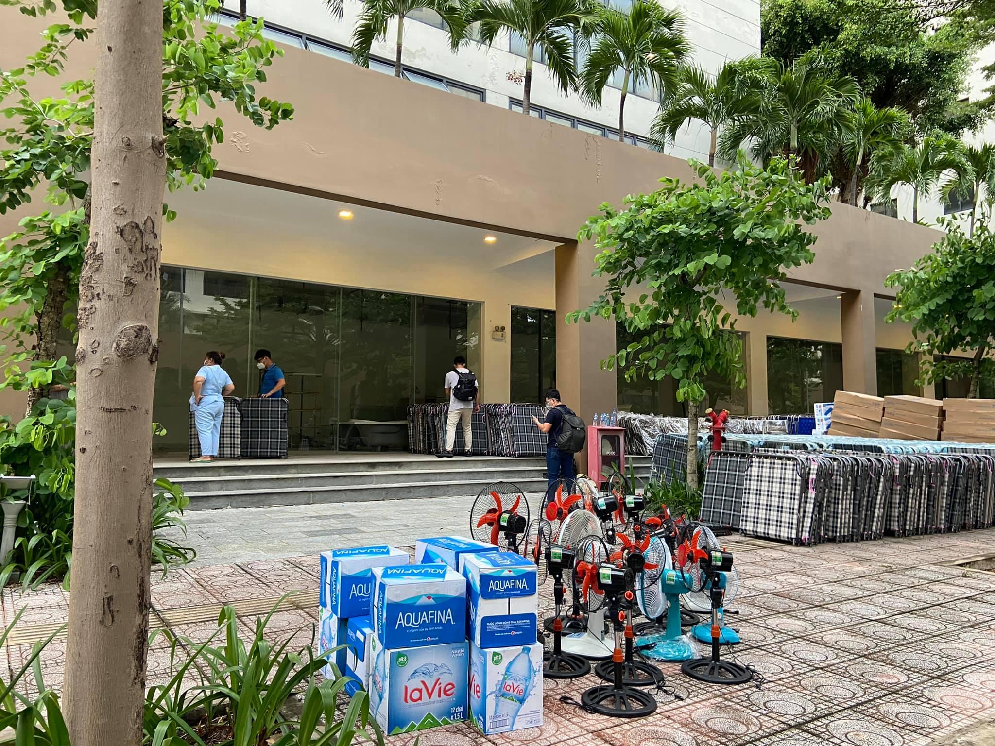 Dân chung cư ở TP.HCM góp đồ, cho mượn căn hộ hỗ trợ chống dịch